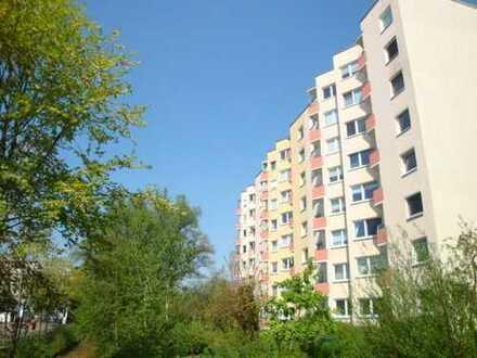 Neue Vahr! Gut geschnittene 3 Zimmerwohnung mit Balkon und Fahrstuhl!