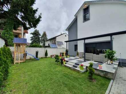 Luxuriöses Einfamilienhaus mit optimalen Verkehrsanbindungen