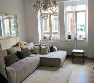 Zentrumsnahe, charmant modernisierte Altbauwohnung in Parknähe