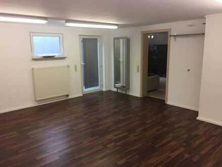 Gepflegte 3-Zimmer-Kellerwohnung für Wochenendpendler mit Einbauküche