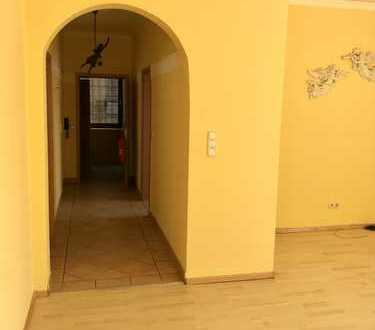 Vollständig renovierte 4-Zimmer-Wohnung mit EBK in Gelsenkirchen