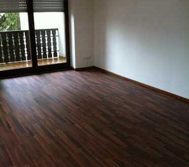 Vollständig renovierte 3-Zimmer-DG-Wohnung mit Balkon in Ingolstadt- Hagau