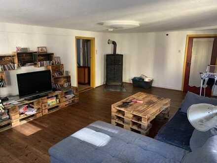 Gemütliche offene Wohnung in Hausgemeinschaft.