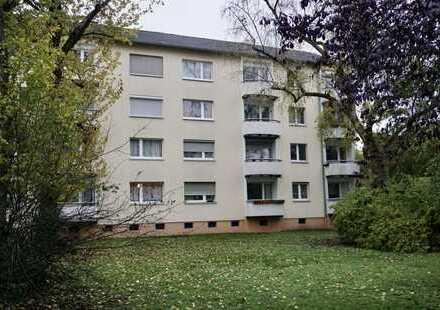 Schön aufgeteilte EG 3-Zimmerwohnung mit Balkon