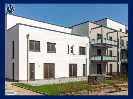 Neubau-Doppelhaushälfte auf 3 Ebenen mit Terrasse und Studio, Einbauküche, Gäste-WC, TG-Platz