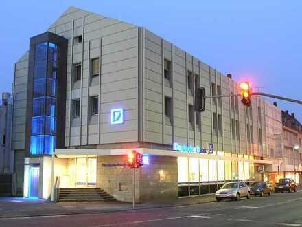 7% Mietrendite! Ankermieter Deutsche Bank! Wohn- und Geschäftshaus in zentraler Innenstadtlage