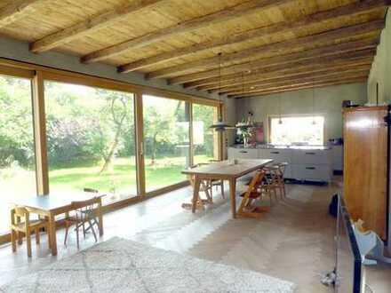 Ideal für Naturliebhaber! Extravagantes Einfamilienhaus auf großzügigem Grundstück in Diedorf OT