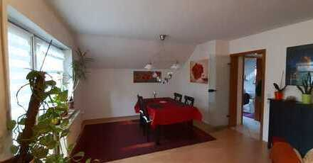 Freundliche 3-Zimmer-DG-Wohnung mit Balkon in Saulheim