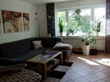 Großzügige Wohnung mit zwei Balkonen!
