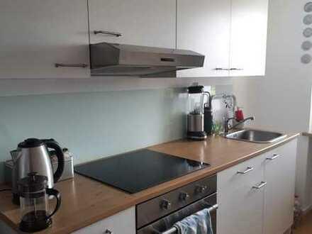 Neuwertige 2-Zimmer-Wohnung mit Balkon und Einbauküche in Passau