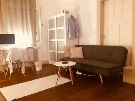 Schönes Zimmer in netter Berufstätigen-WG (3 Pers.)