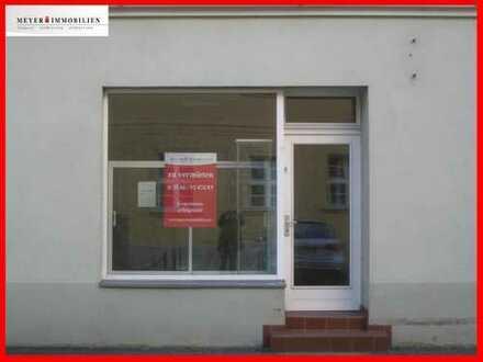 Beste Lage am Markt & günstige Miete: Laden - Büro - Praxis - Kanzlei - provisionsfrei zu vermieten