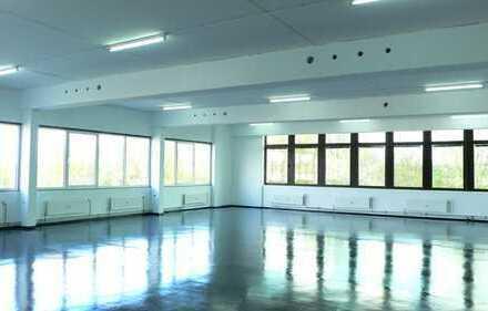 Gewerbegebiet 400+400 qm Produktions- Vertriebs- Verkaufsflächen u. Büroflächen