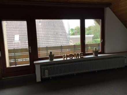 VON PRIVAT: Preiswerte, modernisierte 5-Zimmer-Wohnung mit Balkon und EBK in Wittmund
