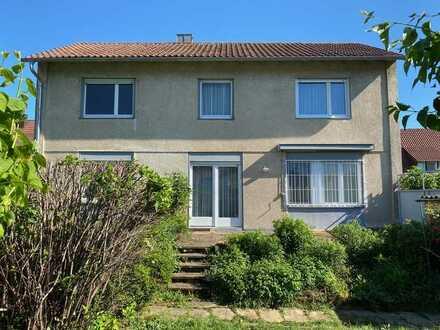 ++ Freistehendes EFH mit Terrasse, Garten und 2 Garagen in beliebter Wohnlage LD-Schützenhof! ++