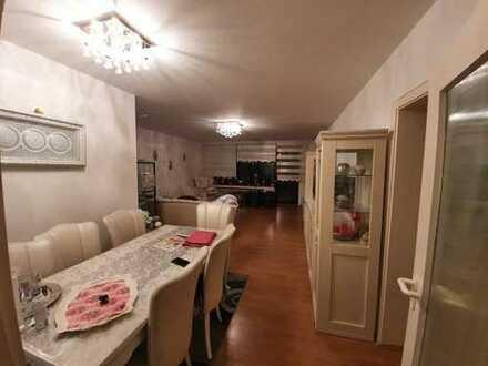 3 Zimmer, 74 qm, hervorragender Schnitt, großer Balkon