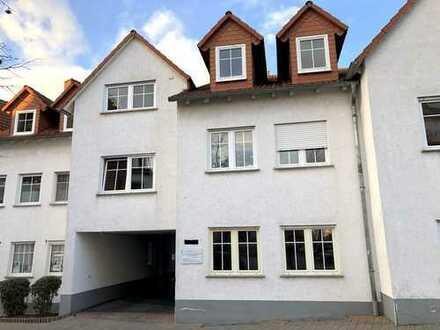 -Rossellit Immobilien- *RESERVIERT* 1 Zimmerwohnung mit Sanierungsbedarf inkl. TG Stellplatz