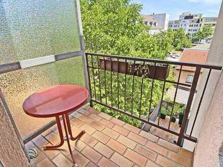 6361 - Renovierte 3-Zimmerwohnung mit 2 Balkonen in der Oststadt!
