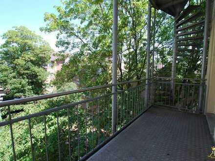 Helle und gepflegte 2-Zimmer-Wohnung mit Balkon in Nippes !