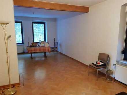 Erstbezug nach Sanierung: preiswerte 4-Zimmer-Wohnung mit gehobener Innenausstattung in Altena