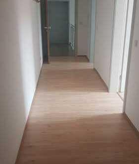 Helle, zentral gelegene 3- bis 4-Raum Etagenwohnung in Hildburghausen