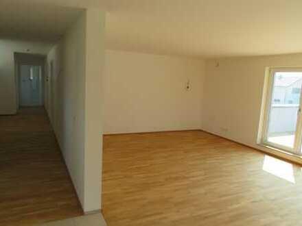 Erstbezug: ansprechende 4-Zimmer-Wohnung mit Einbauküche und Balkon in Kißlegg