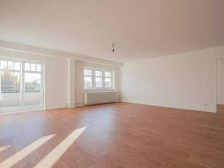 Bild_Frisch saniert - Wohnen in Pankow: Schöne Dachgeschosswohnung mit 2 Balkonen!