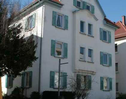 Vier Zimmer in Superlage, nahe zu Stadt und Hochschulen. WG-geeignet!