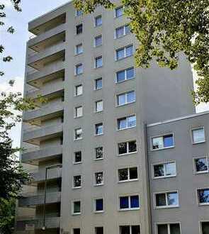 Schöne fünf Zimmer Wohnung in Düsseldorf, Niederkassel (In Japanischen Viertel)