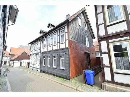 Inmitten der Goslarer Altstadt - Doppelhaushälte mit viel Potential!