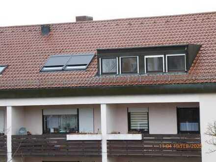 Große sonnige, renovierte, modernisierte 4-Zimmer-Dachgeschoß-Wohnung