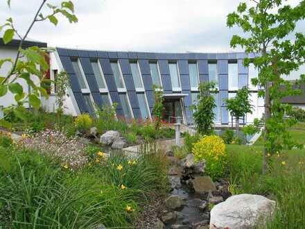 Außergewöhnliche Gewerbe-/Büro-Räume in nachhaltigem Passivhaus-Gebäudekomplex Nähe Kibo.