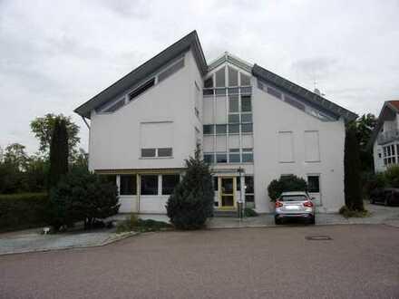 Büro-/Praxisräume auf 2 Etagen mit 5 Stellplätzen, 300m² (ab 160m² teilbar)