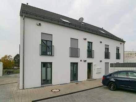 Wunderschöne 4-Zimmer-Erdgeschoss-Wohnung mit Terrasse und kleinem Garten in Gaimersheim