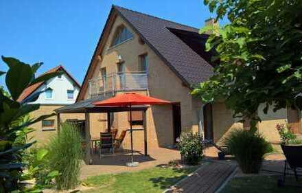 Architektenhaus mit 6 Zimmern, Balkon, Pool, Sauna und Doppelgarage in Biederitz bei Magdeburg