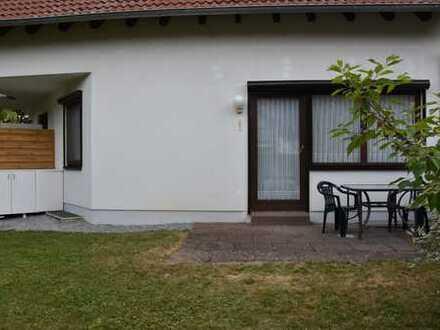 Gepflegte 2-Zimmer-EG-Wohnung mit Terrasse und Einbauküche in Stromberg