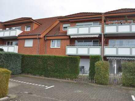 Moderne Erdgeschosswohnung mit Terrasse und kleinem Garten