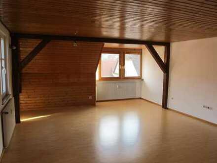 Einzigartige 5-Zimmer-Maisonette-Wohnung mit Balkon und Einbauküche in Feuchtwangen