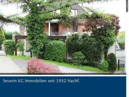 Luxuswohnung als Haus im Haus mit Garten und extravagantem Wintergarten!