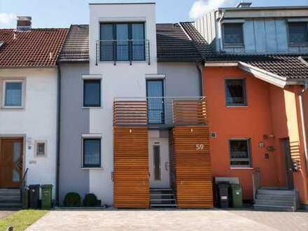 #Traumhaft wohnen in einem renovierten, modernen Haus mit hochwertiger EBK. Ab Januar 2020!
