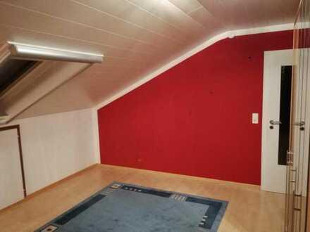 Teilmöbiliertes 16m² Zimmer in ruhiger Lage zu vermieten