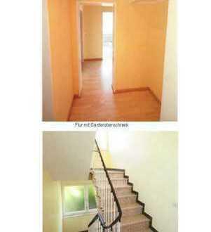 Exklusive, vollständig renovierte 2-Zimmer-Wohnung mit Balkon und EBK in Bielefeld