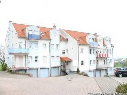 Schöne Eigentumswohnung mit Balkon und großer Garage