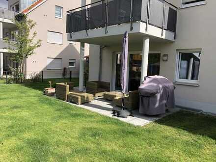 Neuwertige 3-Zimmer-EG-Wohnung mit Balkon und Einbauküche in Nandlstadt