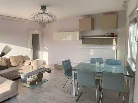 Quadrate: Moderne teilmöblierte 3-Zimmer-Wohnung mit Balkon und Einbauküche