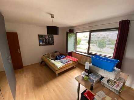 Freundliche 3-Zimmer-Wohnung mit Balkon und EBK in Hattersheim am Main