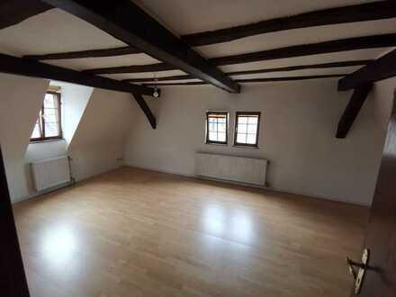 Wunderschöne 3-Zi-DG-Wohnung mit tollem Blick im Herzen von Michelstadt