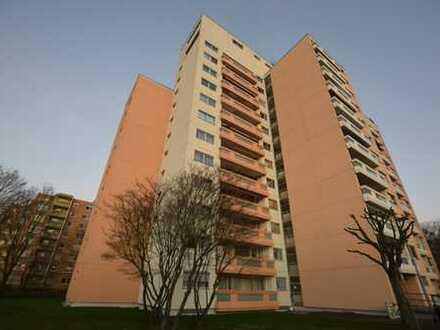 Helle, gut geschnittene 3,5-Zimmer-Wohnung mit Balkon und TG-Stellplatz in Frankfurt-Eckenheim