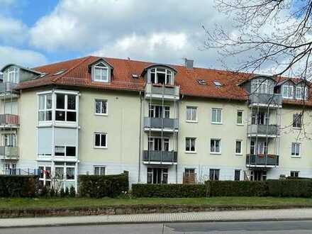 Moderne Single-Wohnung mit Balkon + tollem Ausblick !!