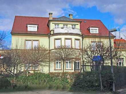 Attraktive 4-Zimmer-DG-Wohnung mit Balkon und Einbauküche in Bruchsal